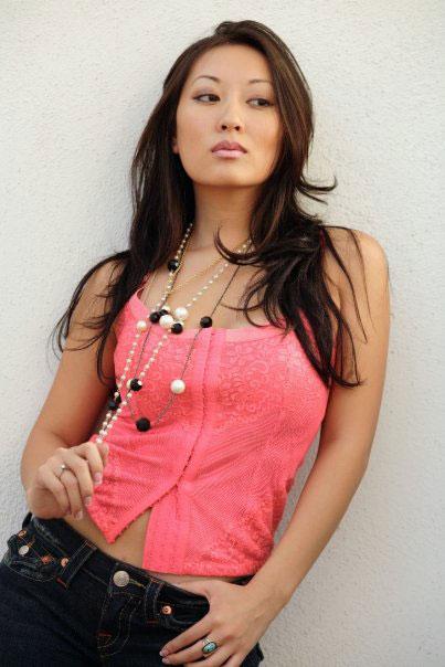 Lina So - TheGentlemanRacer.com